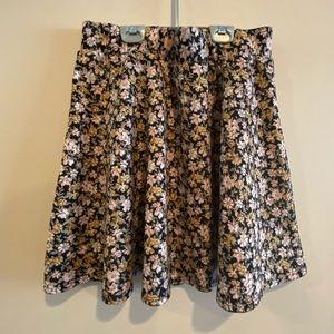 Dresses & Skirts - 🍍 3/$10 Floral circle skirt size XL